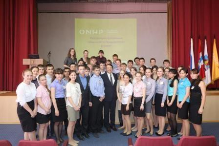 Игорь Зуга поздравляет коллектив ОАО «Омскнефтехимпроект» с юбилеем предприятия.